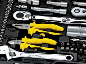 Какой лучше выбрать набор инструментов для автомобиля?
